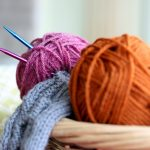 Knitting process: Increase and Decrease Knitting